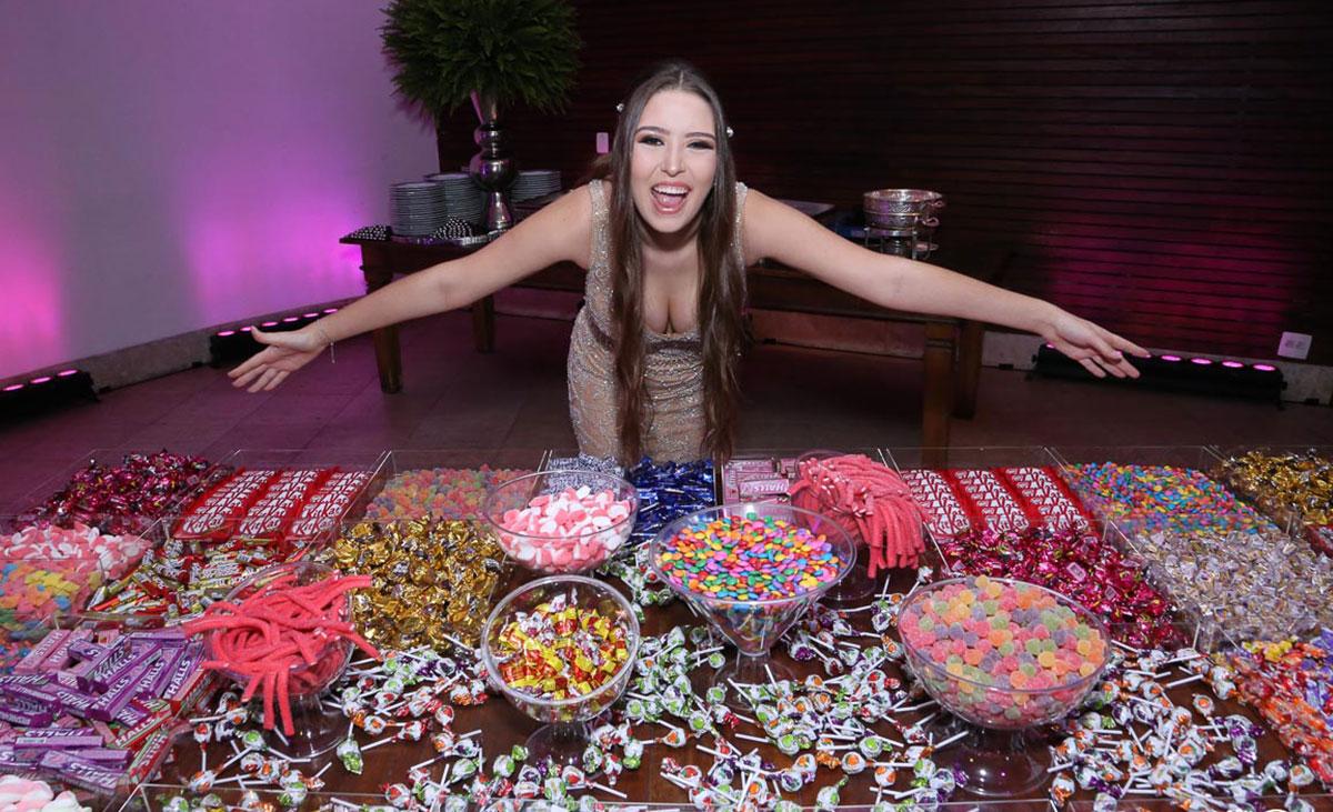 Mesa de doces festa de 15 anos | Foto: Sou Ibope