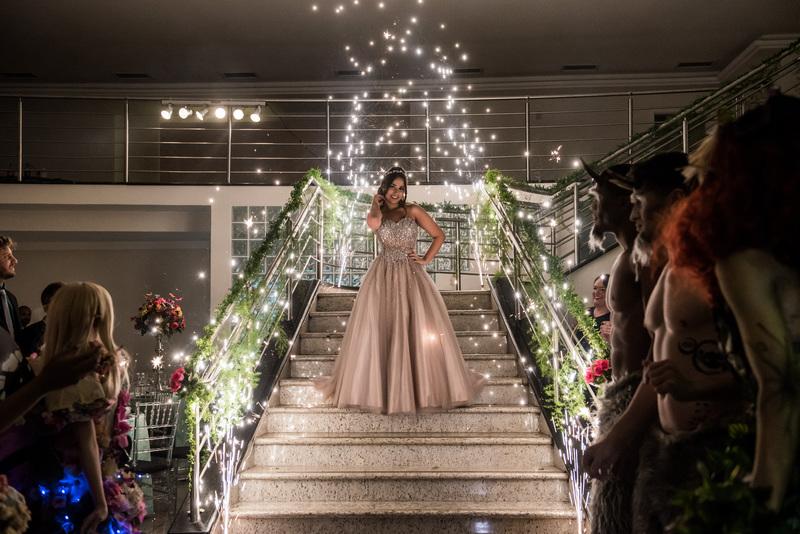 144d31cb1 Debutante: guia completo para ter um visual incrível na festa de 15 ...