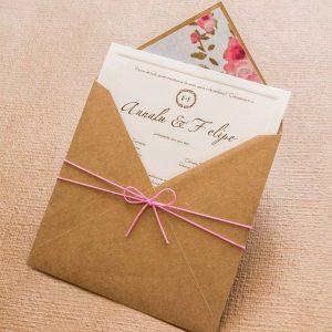 convite de casamento simples em kraft