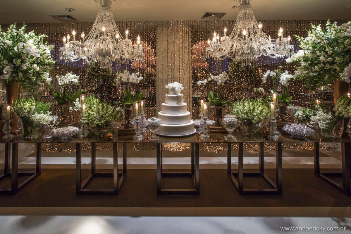 Decoração de Casamento branca | Foto: Anna Quast e Ricky Arruda