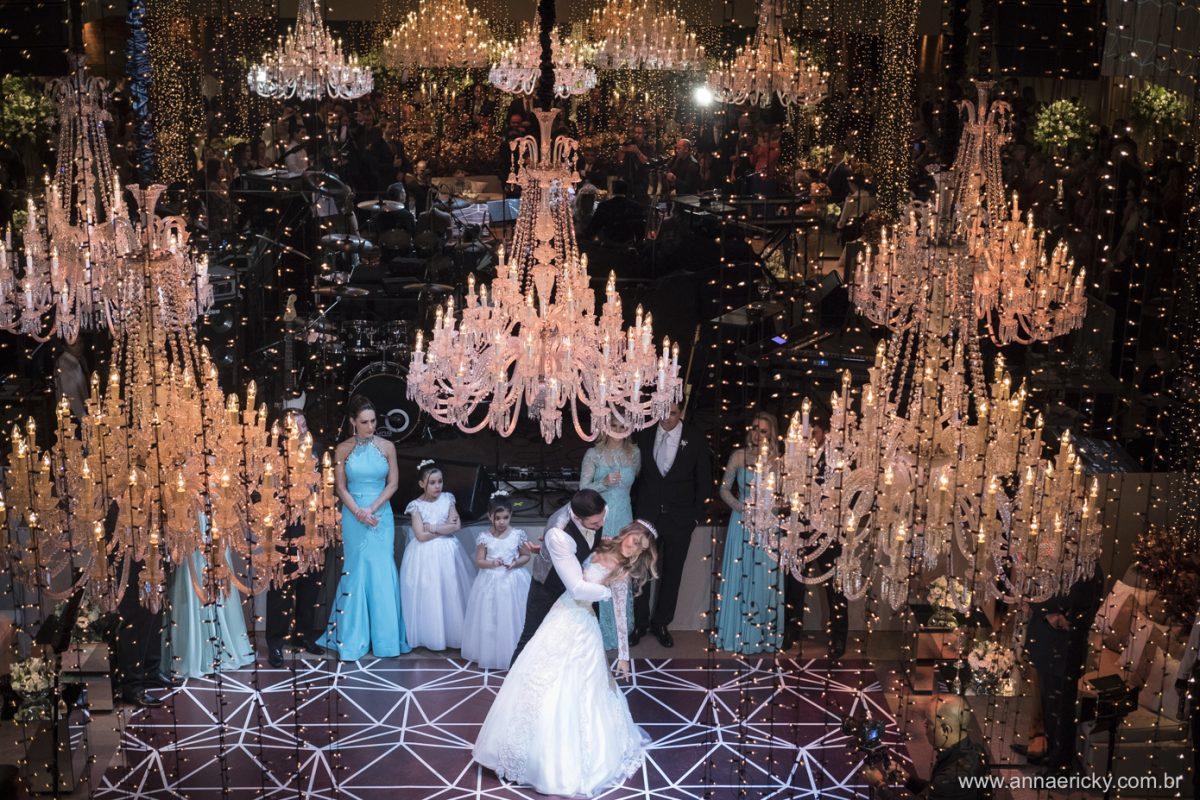 Lustres e Fairy Lights - Casamento de Karina Flores