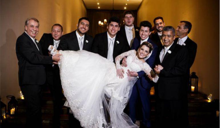 Noiva e os padrinhos de Casamento