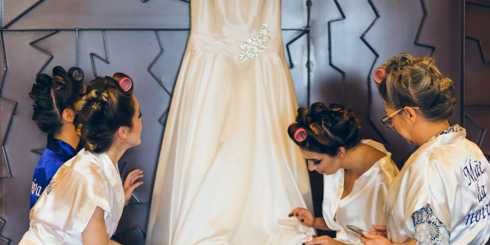 2f9e1bf761 Tecidos para vestido de noiva  Guia do vestido de noiva ideal!