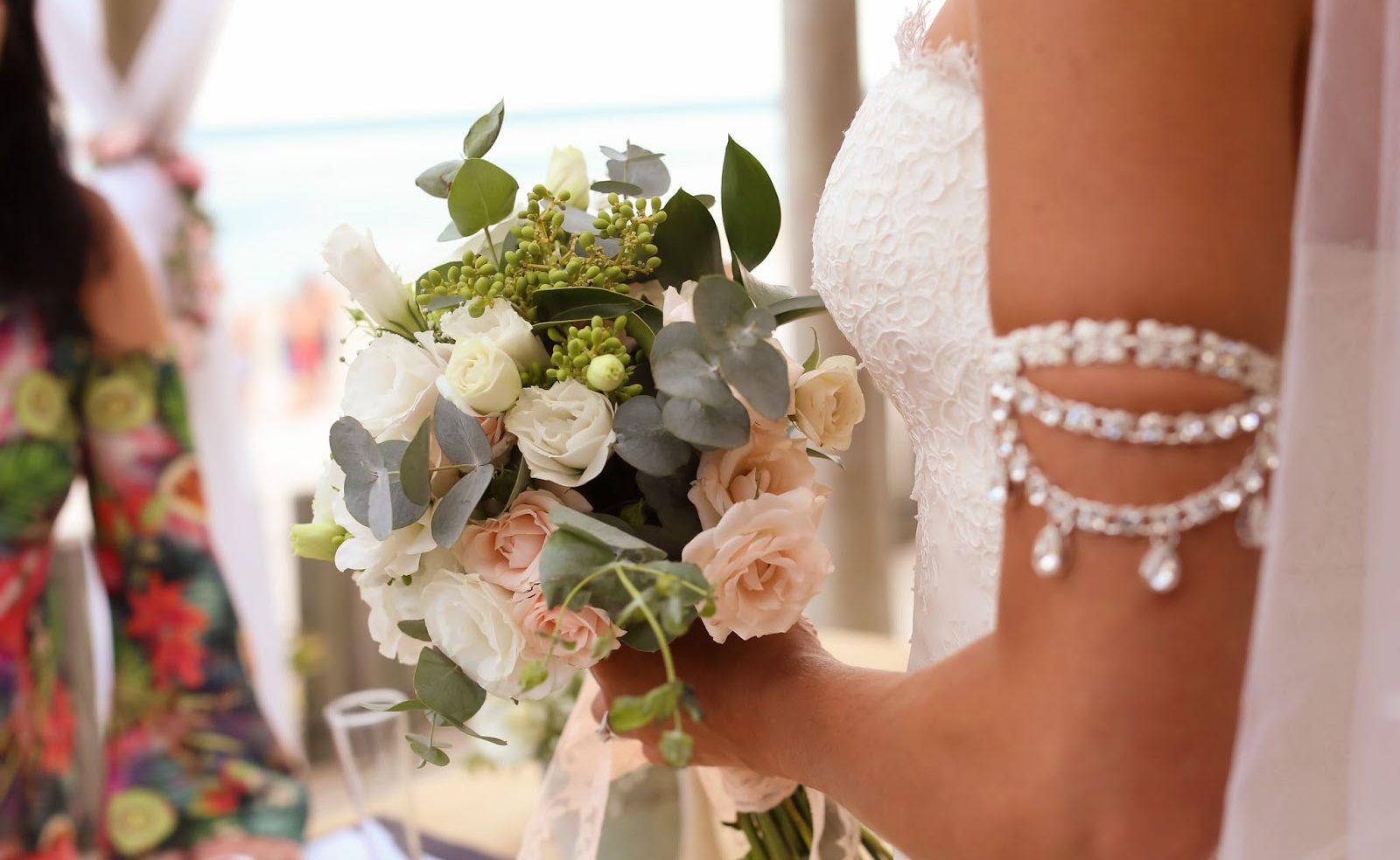 Buque de noiva branco e rosa