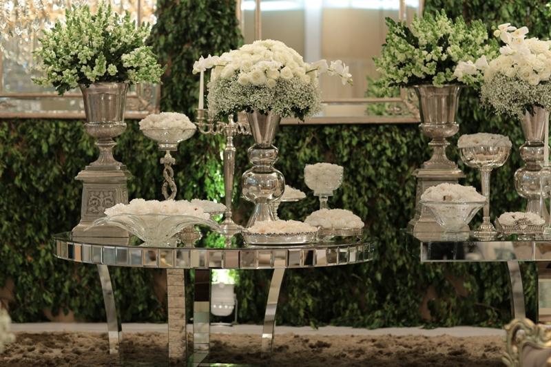 Decoração clássica para mini wedding