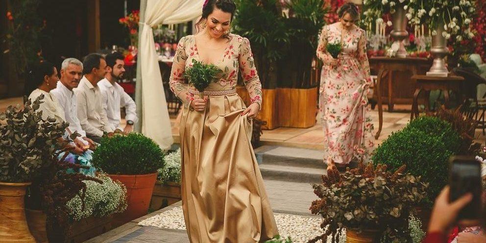 c085f544d Madrinhas de Vestido Floral: Dicas para Apostar nas Estampas!