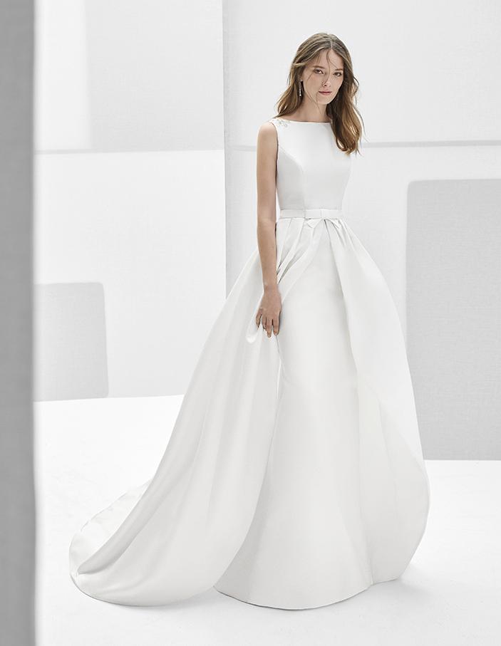 Vestido de noiva simples e elegante