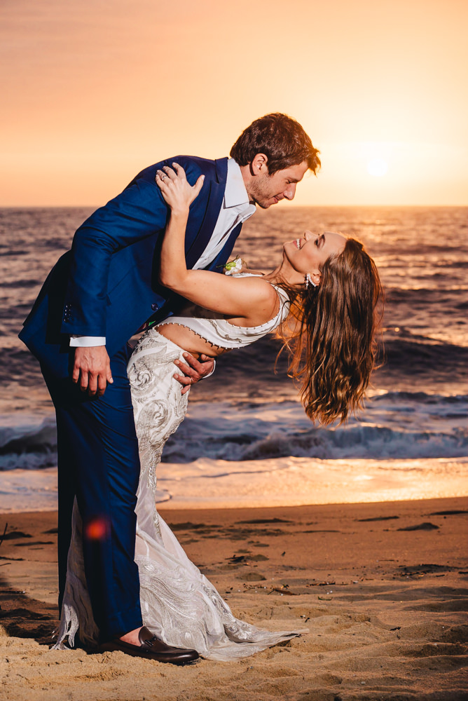 Casamento à tarde na praia   Foto: Rafael Vaz