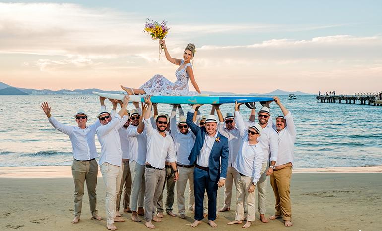 Trajes masculinos para casamento na praia