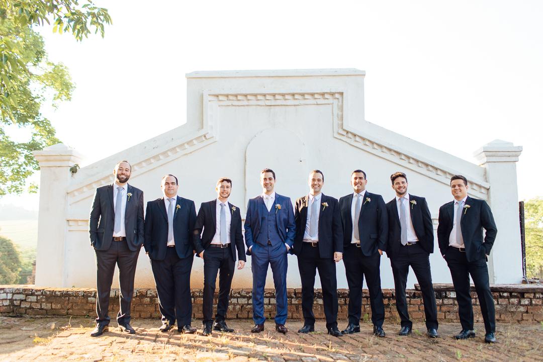 Trajes masculinos para casamento no campo