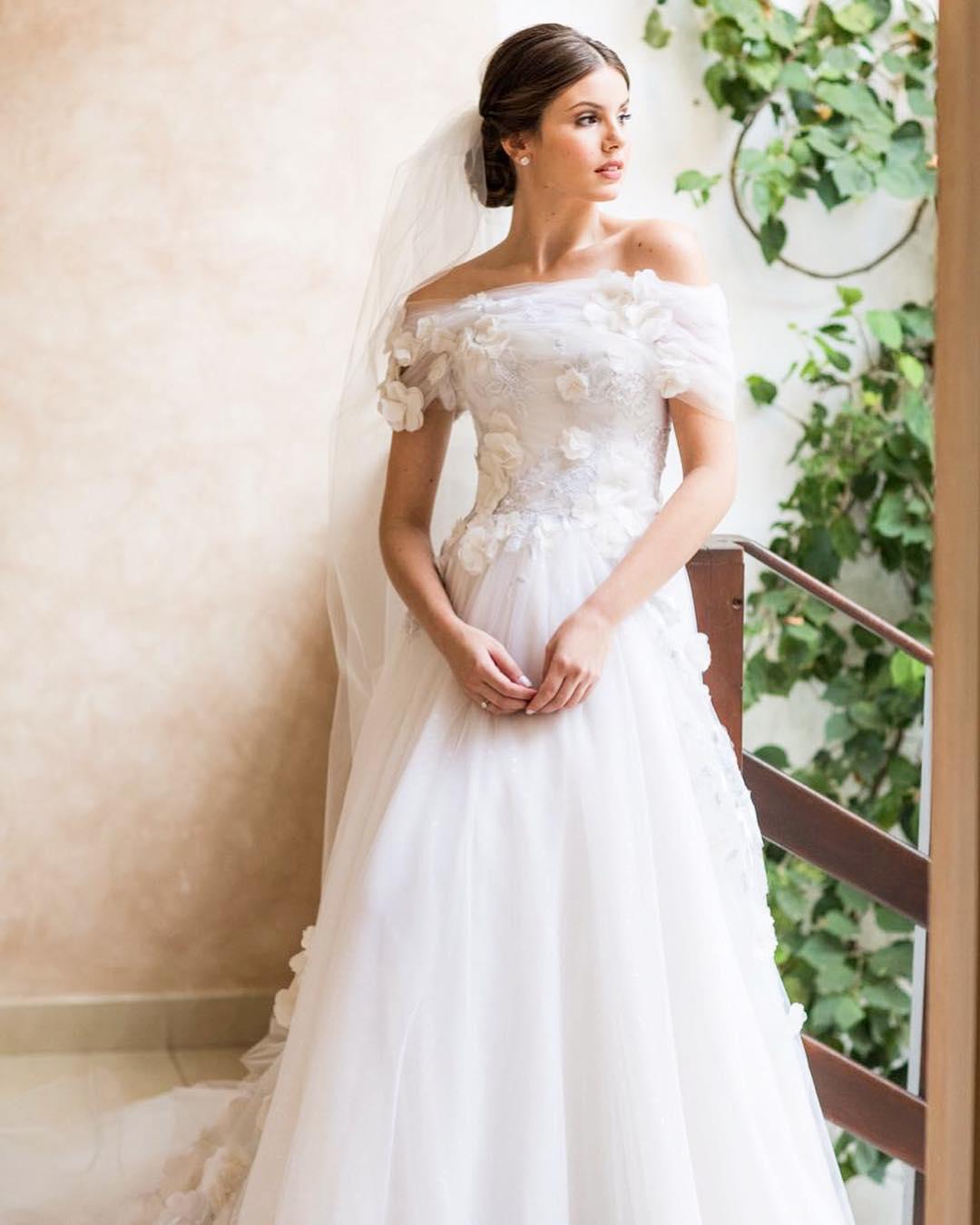 Vestido de noiva com tule | Foto: Lethicia Bronstein